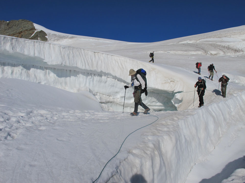 Hiking the summer haute route from chamonix to zermatt for Haute route chamonix zermatt
