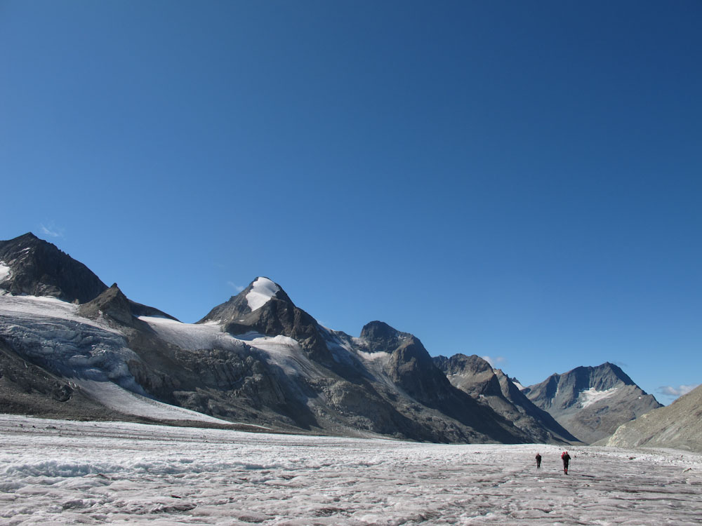 The summer haute route from chamonix to zermatt mountain for Haute route chamonix zermatt